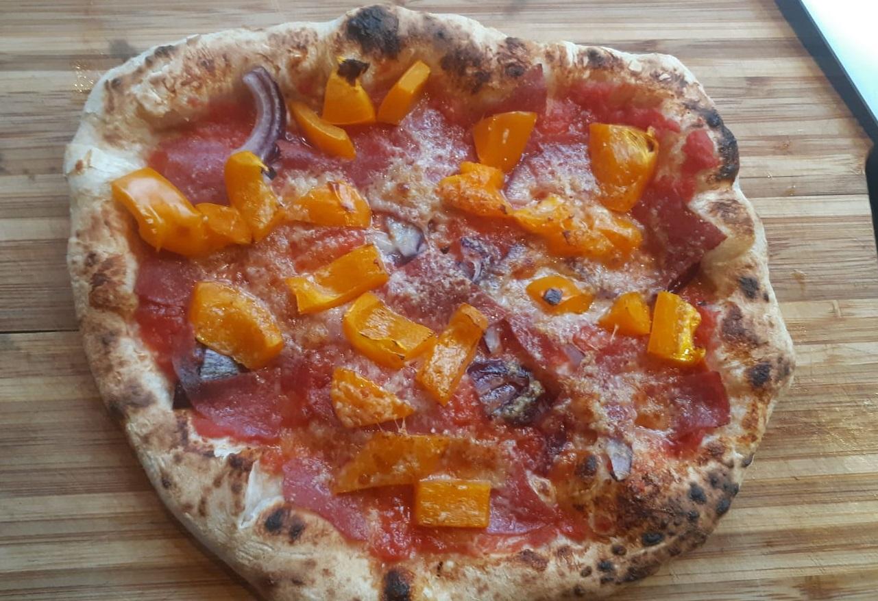 Boudewijn's recept voor pizzadeeg met een lange rijs